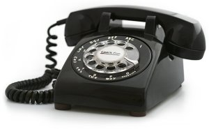 old-style-telephone