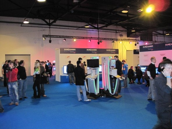 eurogamer-expo-leeds-gaming-show-early-morning-before-crowds