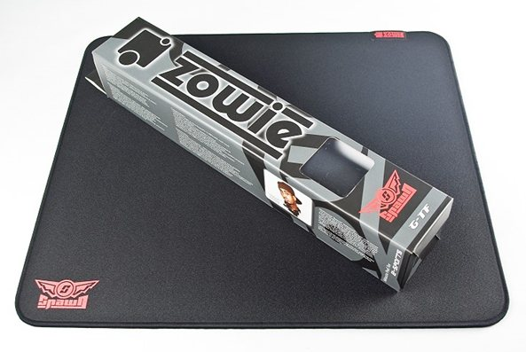 zowi-g-tf-gaming-mouse-mat-box-rolled-up