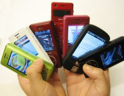 handful-of-mobile-phones