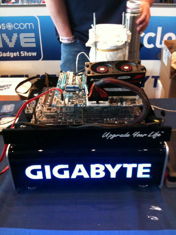 dabs-live-technology-gadget-show-game-zone-gigabyte-wembley-london-2010