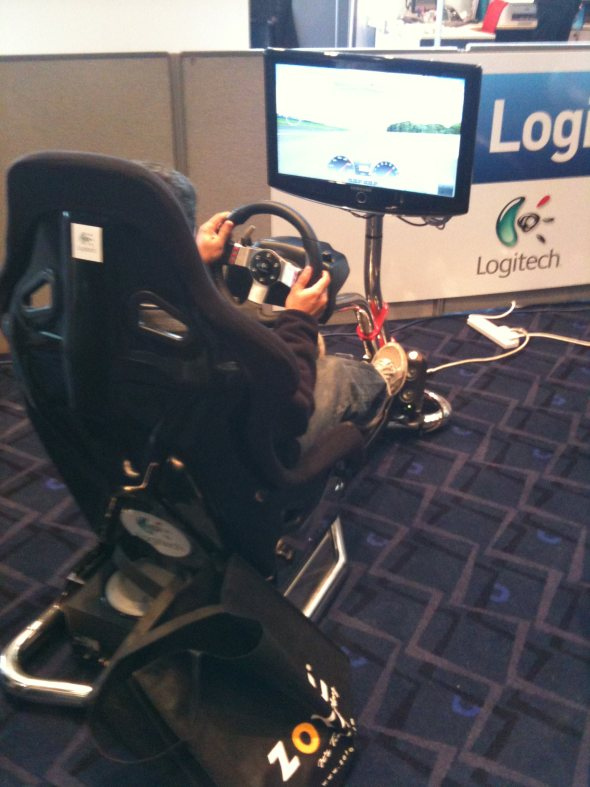 dabs-live-technology-gadget-show-game-zone-racing-seat-wembley-london-2010