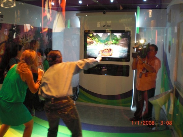 e3-microsoft-xbox-360-kinect-motion-controller-booth