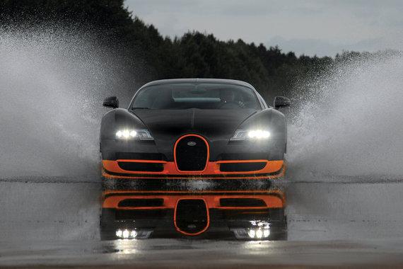 bugatti-veyron-super-sports-car-front-view