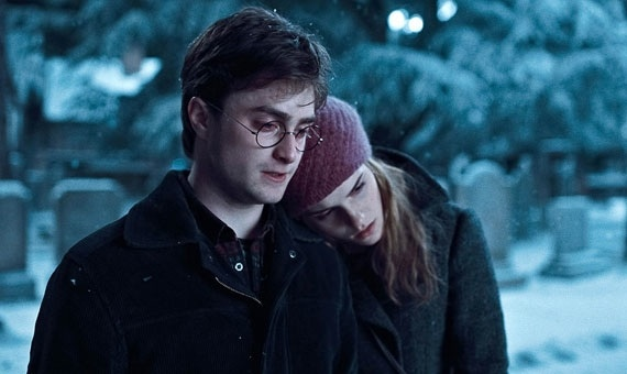 Harry-Potter-and-the-Deathly-Hallows-Harry-and-Hermione