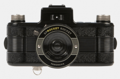 lomography-sprocket-rocket-analogue-film-camera