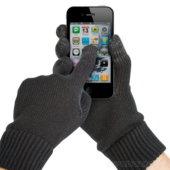 touchscreen gloves iphone Touchscreen Gloves Use Your iPhone, Android, Windows Phone Out In The Cold!