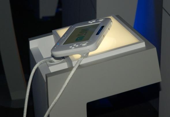 e3-2011-day-2-photo-wii-u-controller