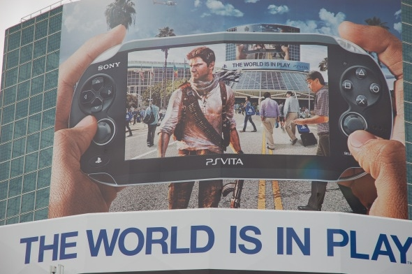 e3-2011-day-3-photo-playstation-vita-uncharted-building