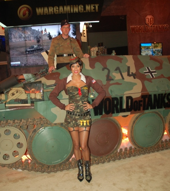 e3-2011-review-photo-world-of-tanks-booth-babe