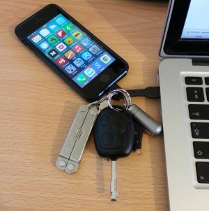 iphone-chargekey-macbook